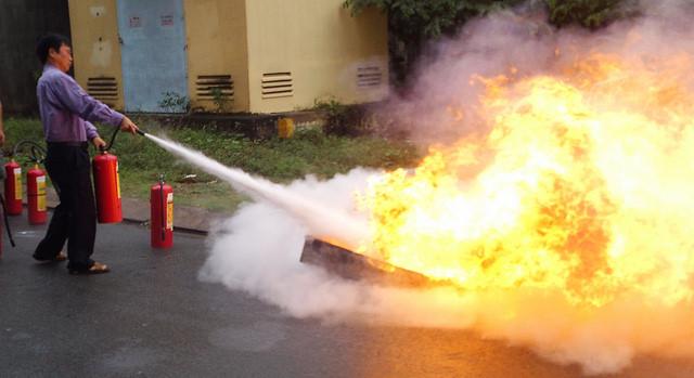 Cách sử dụng bình chữa cháy bột BC 8kg MFZ8