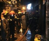 Cháy nhà ở Quận 4, TP. HCM: cha bị bỏng nặng, con tử vong